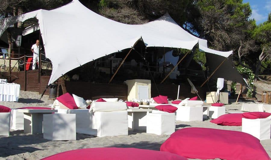 Tentagent offers the best quality installation service. Our Bedouin Tents bring a touch of beauty to every event.